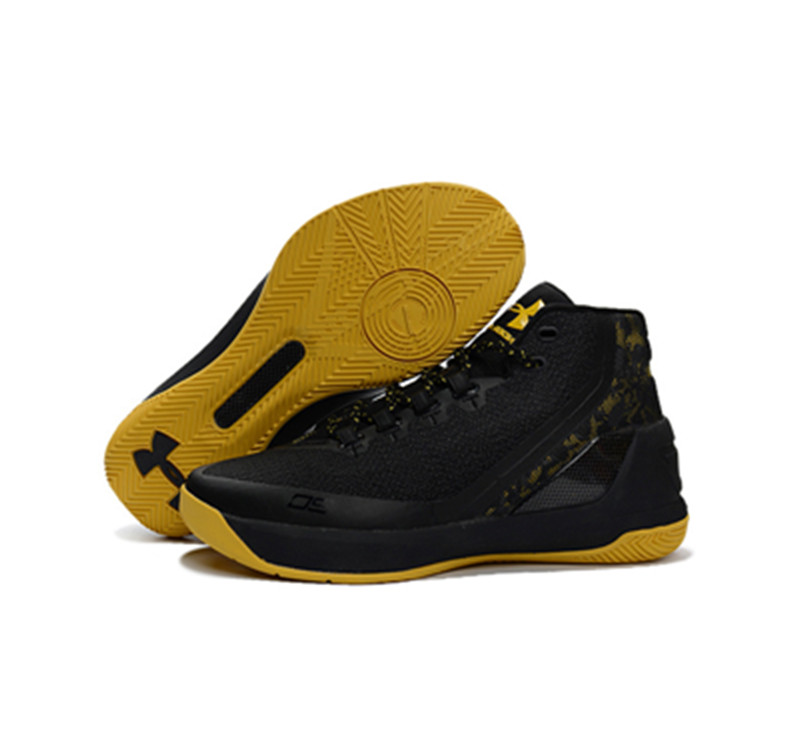 Under Armour Stephen Curry 3 Shoes black yellow